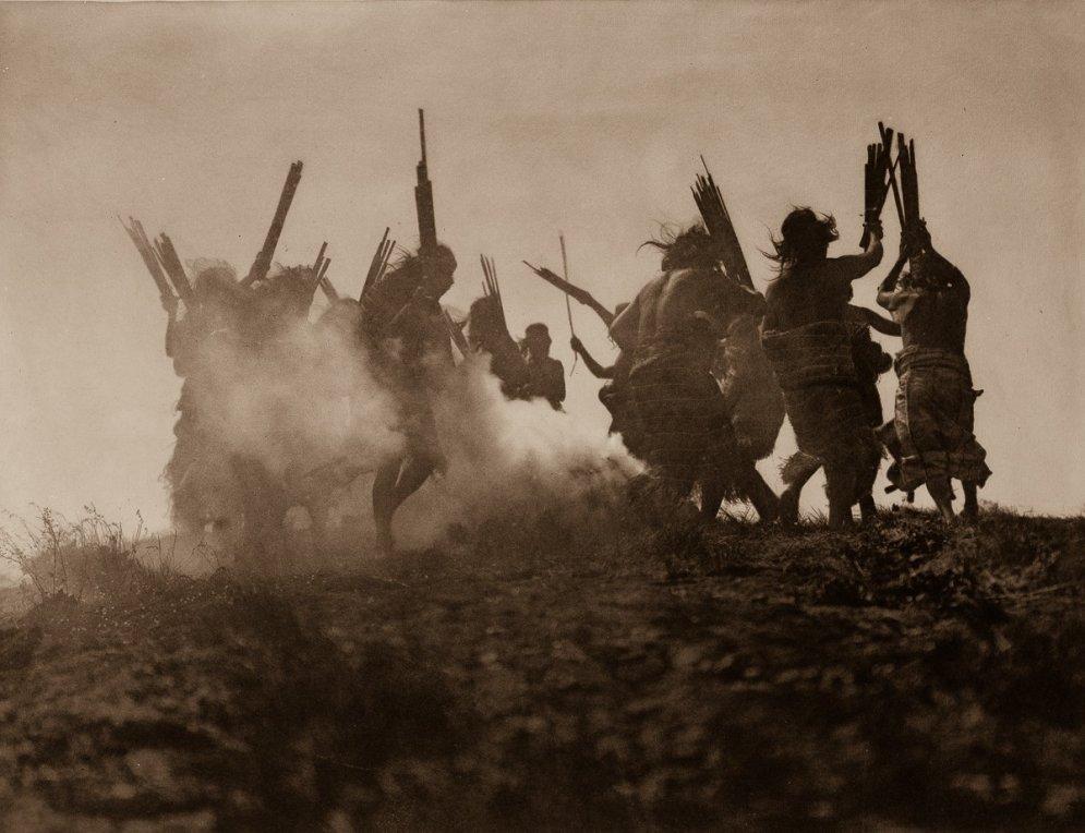 Unikāli arhīvu kadri: Indiāņu dzīve pirms 100 gadiem