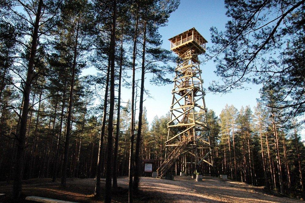 Daži no augstākajiem koka skatu torņiem mūsu valstī