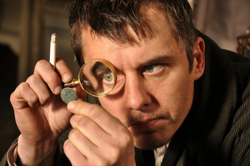 10 slaveni aktieri, kuri tēlojuši detektīvu Šerloku Holmsu