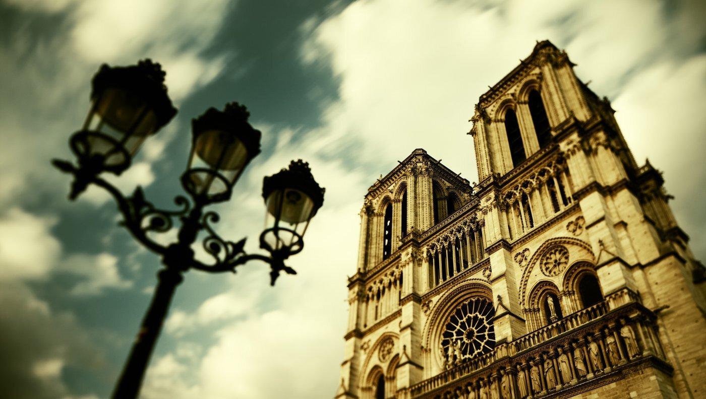 Atskats vēsturē: Parīzes Dievmātes katedrāle no viduslaikiem līdz mūsdienām