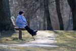 Saeima lemj ieviest gadu ilgu pabalstu pensionāru atraitņiem