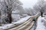 Latvijā apgrūtināta braukšana pa vietējiem autoceļiem
