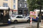 Rīgā piektdienas pēcpusdienā izveidojušies pamatīgi sastrēgumi