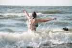 Температура воды в водоемах Латвии не превышает +20 градусов