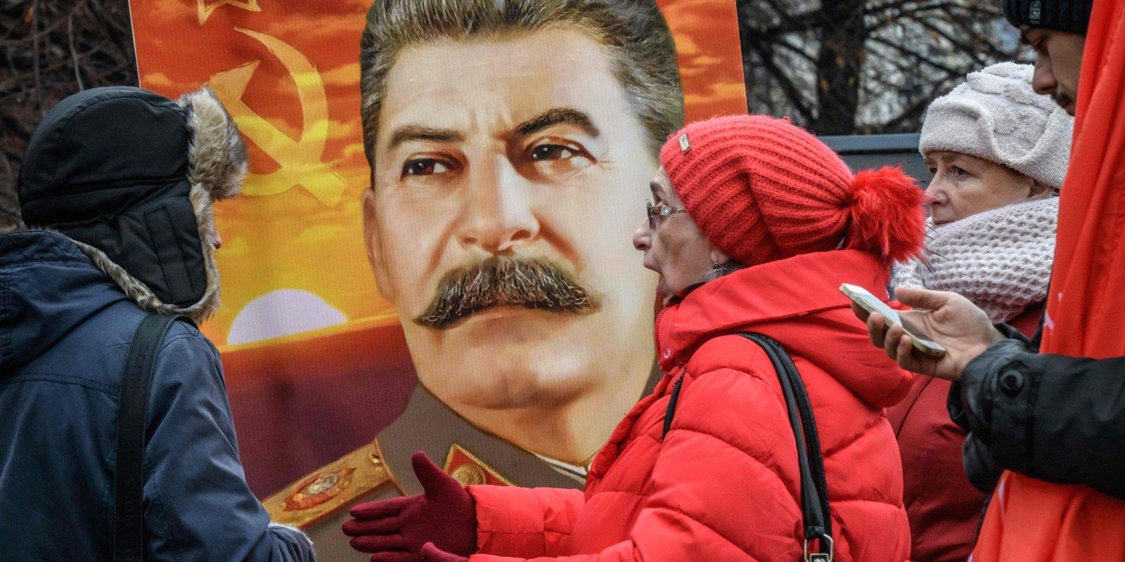 Ģimenes un valsts atmiņa. Kā Krievijā mainās skolēnu vēstījums par vēsturi