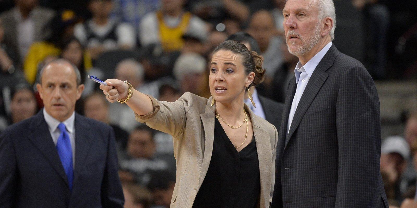 Ne tikai cepumus cept... Bekija Hemona gatava mainīt NBA un kāpt Grega Popoviča 'kurpēs'