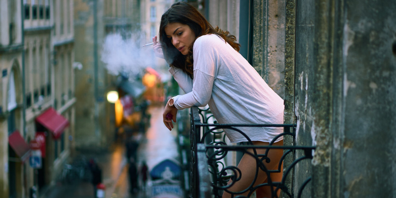 Закурил на балконе — получил штраф. Работает ли на самом деле закон об ограничении курения?