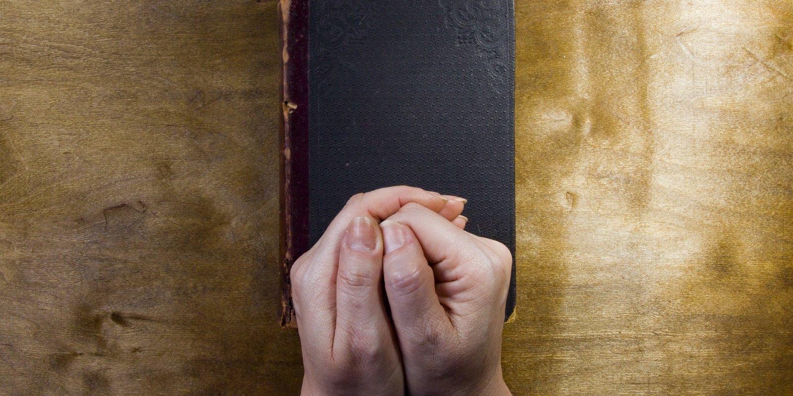 Larisas stāsts. Par 'ekstrēmistiem' Krievijā pasludinātie Jehovas liecinieki patvērumu rod Latvijā