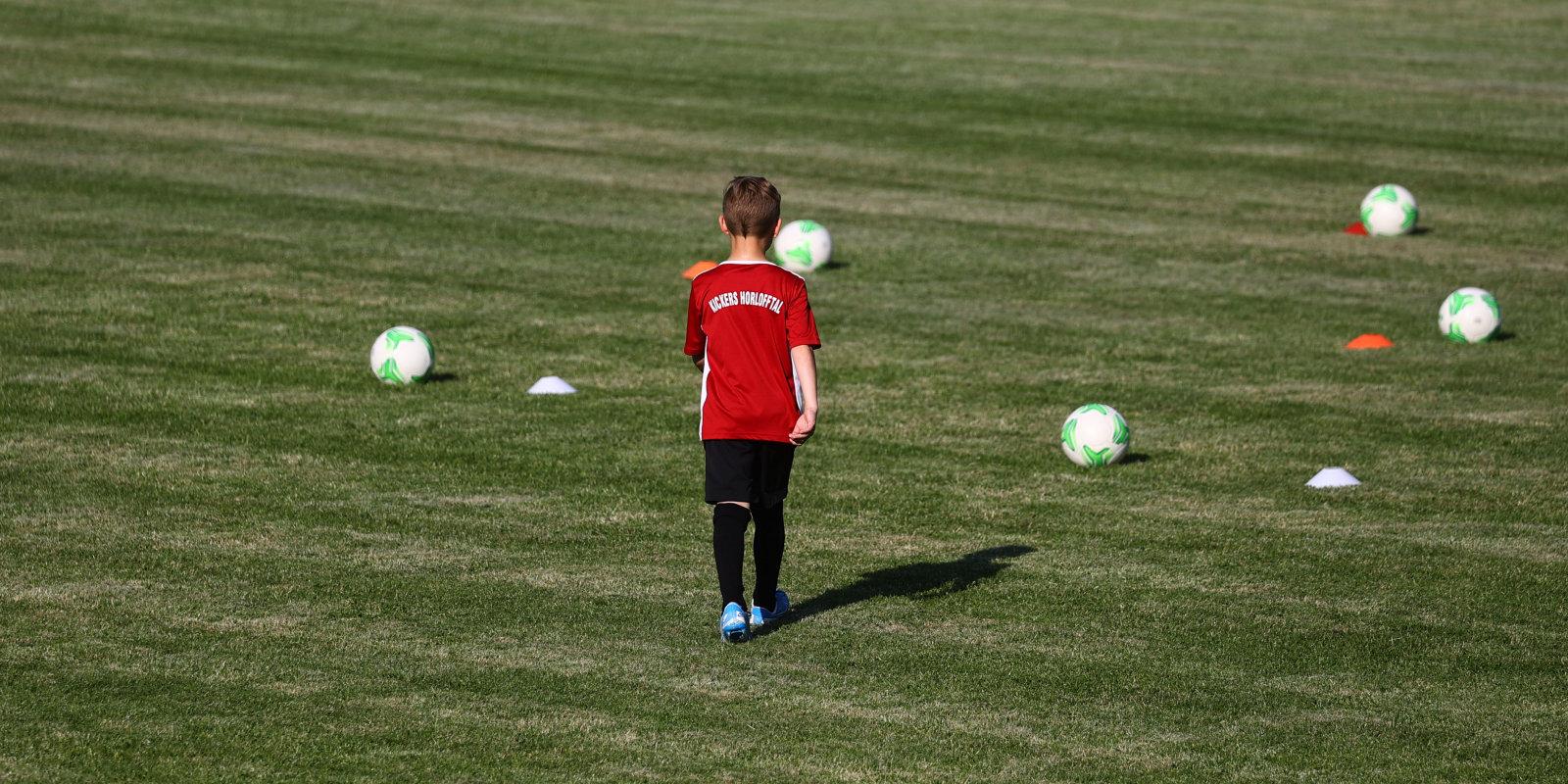 'Gribi trenēties citur? Maksā ragā!' Jauna futbolista vecāki par kluba iegribām