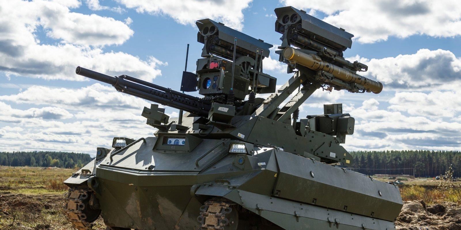 Krievija 'Zapad-2021' demonstrē robotizētas kaujas mašīnas. Kas zināms par 'Uran-9' un 'Nerehta'