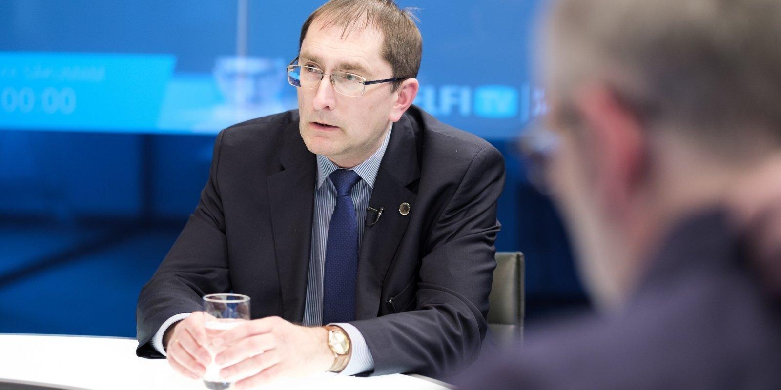 'Delfi TV ar Jāni Domburu' atbild satiksmes ministrs Tālis Linkaits. Pilns sarunas teksts