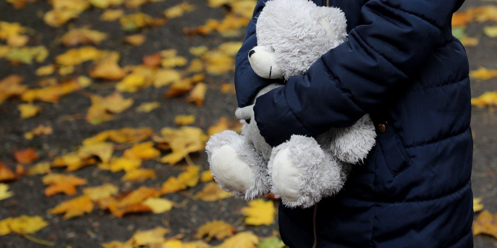 Šoruden nogalināti divi gadu veci bērni. Kāpēc mīloša māte kļūst par slepkavu