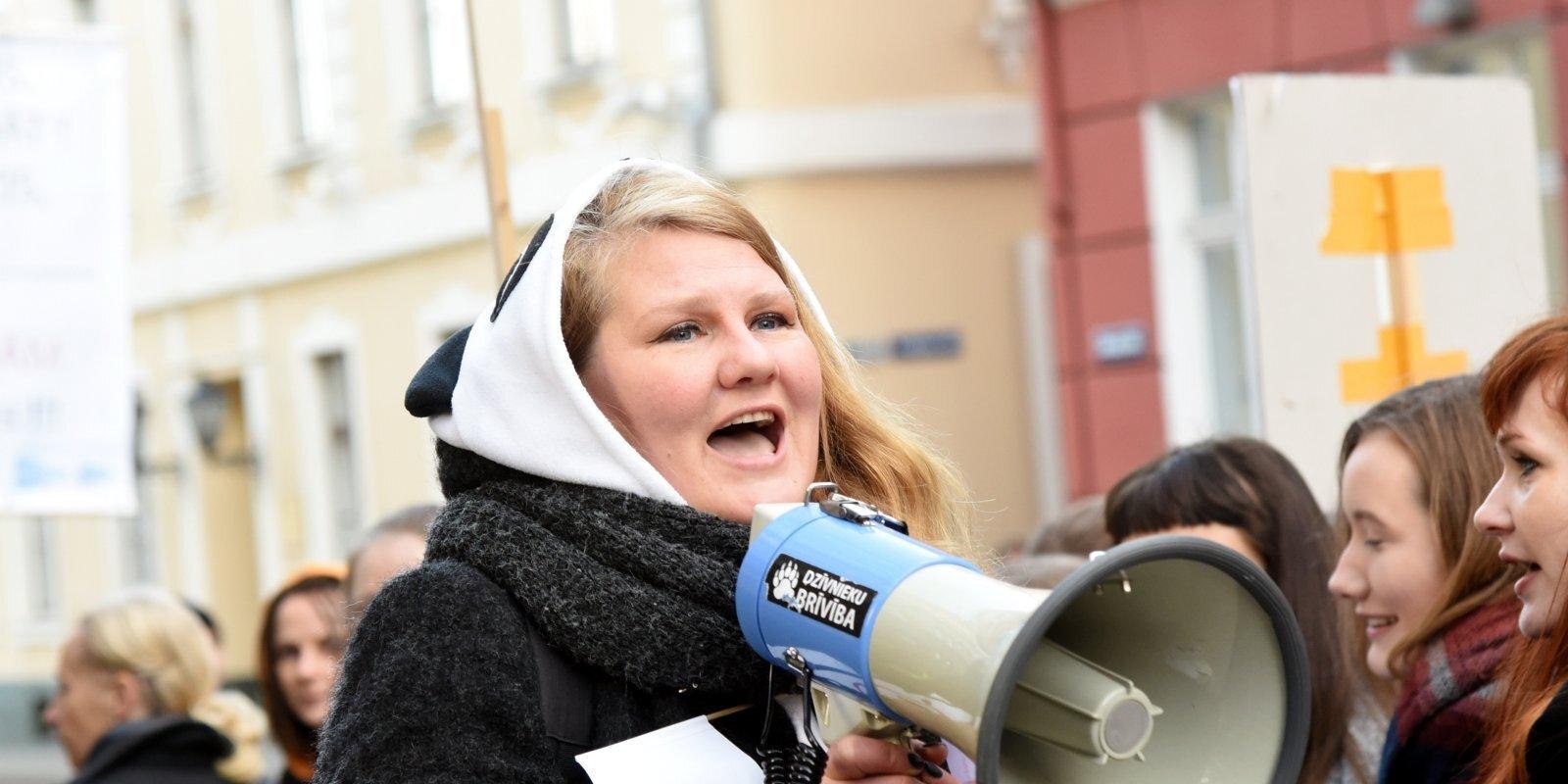 'Sieviešu tiesību aizstāvēšana uzliek tev mērķi uz pieres.' Saruna ar Lolitu Tomsoni