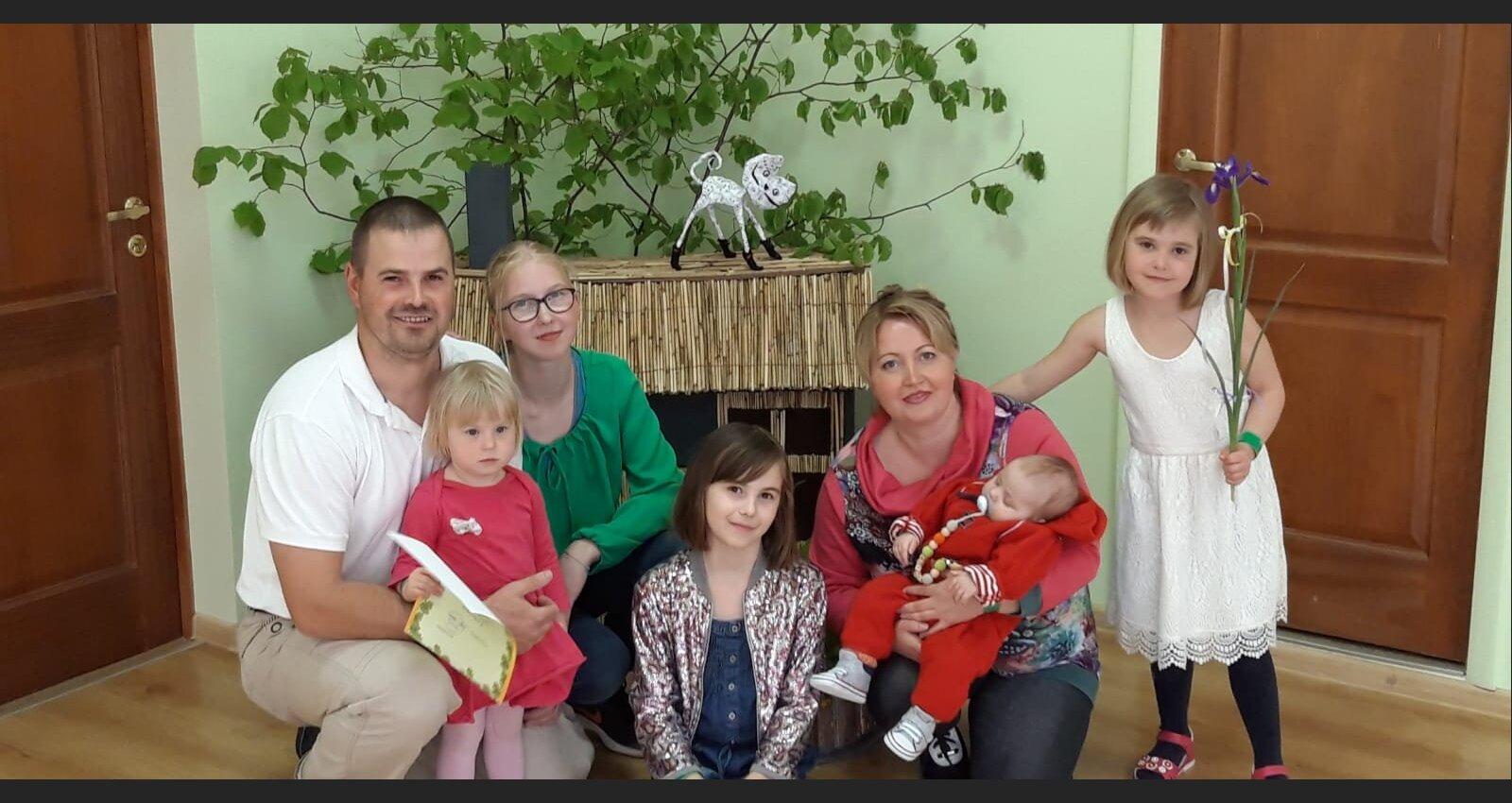 Paši gribēja, paši lai tiek galā: piecu bērnu mamma par sabiedrības attieksmi