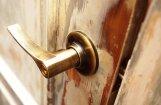 Пикет у Сейма за права жильцов денационализированных домов собрал 20 человек