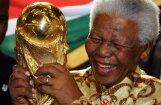 Буш-старший по ошибке выразил соболезнования родственникам Манделы