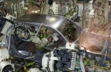 Robots nogalinājis cilvēku 'Volkswagen' rūpnīcā Vācijā
