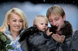Pļuščenko ar ģimeni izrāda modes