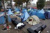 Парижская полиция закрывает лагерь мигрантов у метро