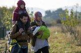 Депрессия, свинина, угроза раздеть жену. Как Латвия до сих пор принимала беженцев