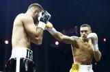 Ukraiņu bokseris Usiks kļūst par absolūto pasaules čempionu un iegūst Muhameda Ali trofeju