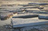 Policisti pieķer trīs nepilngadīgus jauniešus uz Buļļupes ledus