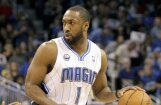Bijušo NBA zvaigzni izraida no labdarības tirdziņa par uzvarām basketbola atrakcijās