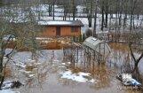 Ūdens Ogrē no iepriekšējās dienās applūdušajām teritorijām ir atkāpies