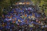 Десятки тысяч людей вышли на марш против терроризма в Барселоне