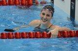 100 metru peldējumā uz muguras zelta godalgas izcīna ASV pārstāvji