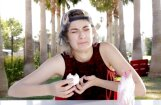 Video: Kā amerikāņi reaģē uz 'Laimas' zefīriņiem