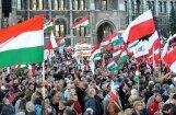 Polija plāno bloķēt ES sankciju ieviešanu pret Ungāriju