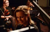 Noskaties! 'My Radiant You' izdod dziesmas 'Miers' akustiskās versijas video