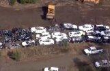 Video: Vilciena avārijā iznīcināts simts jaunu BMW automobiļu