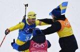 Zviedrijas biatlonisti izcīna vēsturē pirmās olimpiskās zelta medaļas stafetē