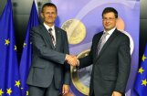Sveiks, eiro! Latviju oficiāli uzņem eirozonā, nosaka maiņas kursu