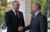 Moldovas prokremliskais Dodons apsola Putinam nepieņemt Krievijai netīkamus likumus