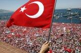 Turcijā aizturēts apvērsuma mēģinājumā vainotā Gilena radinieks