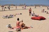 Инспекция здоровья: на пляже в Даугавгриве вода чистая, в Вецаки на глубине водорослей нет