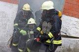 Fotoreportāža: Topošo ugunsdzēsēju paraugdemonstrējumi