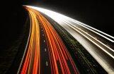 Apdzīvotā vietā 'Toyota Land Cruiser' traucas ar ātrumu 121 kilometrs stundā