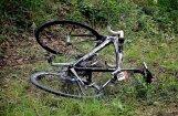 В Пурвциемсе сбит велосипедист: полиция просит отозваться очевидцев ДТП