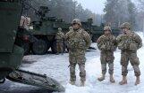 ФОТО: в Адажи прибыли 170 американских солдат с бронетехникой