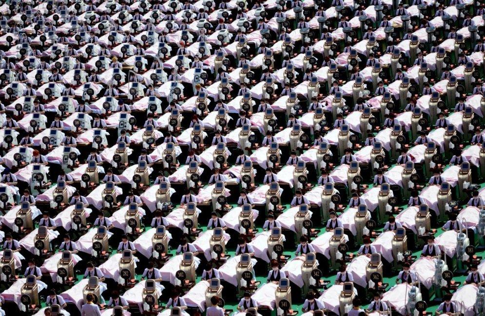 Групповое фото: 24 странно-прекрасные фотографии безумных толп людей