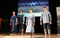 Atsakās no Ķīnā austajiem tērpiem simtgades Deju svētkos