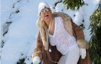 'Iedeguma mamma' ērmotā izskatā šķipelē sniegu