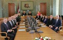 Jaunajā valdībā Dombrovska 'labā roka' būs Circene, 'kreisā' - Pabriks