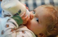 Divu gadu vecumā bērnam priekšzobu vietā palikušas vien saknītes. Kas ir pudeļu kariess?