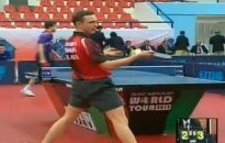 Video: neticams sitiens galda tenisā