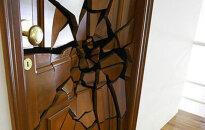Praktiski un ļoti radoši: 10 samērā neierastas durvis
